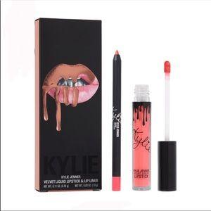 Kylie Cosmetics Velvet Lip Kit
